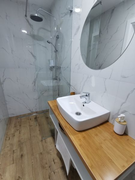 banje/sokobanja/breza/1024x-1594578560-lux-apartman-kupatilo.jpg