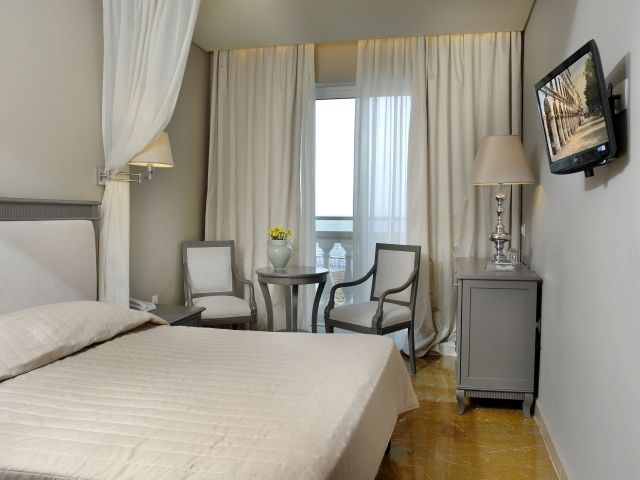 hoteli grcka/krf/mon repo/room03-at-the-mayor-mon-repos-palace-art-hotel.jpg