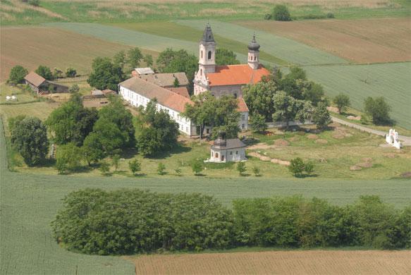 manastir-fenek-kako-stici.jpg