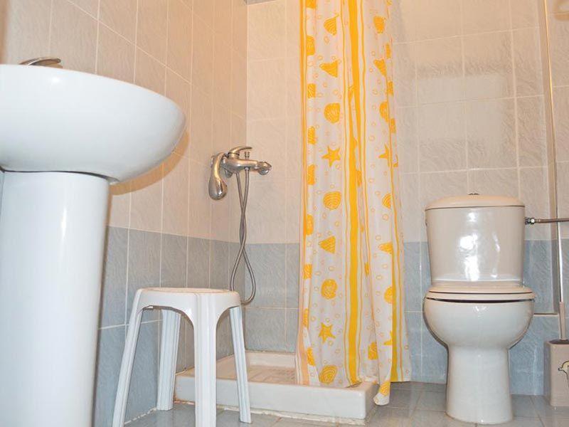 letovanje/grcka/fanari/alexandros/aleksandros-kupatilo.jpg