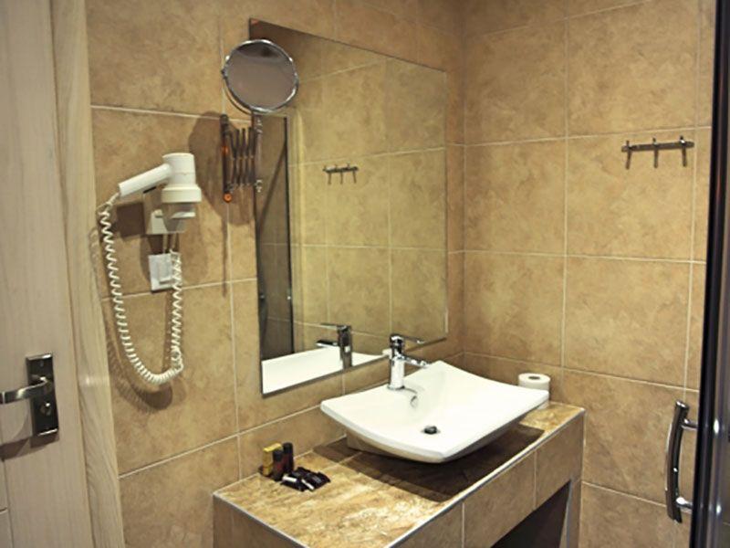 letovanje/grcka/fanari/fanari/fanari-trokrevetna-kupatilo.jpg