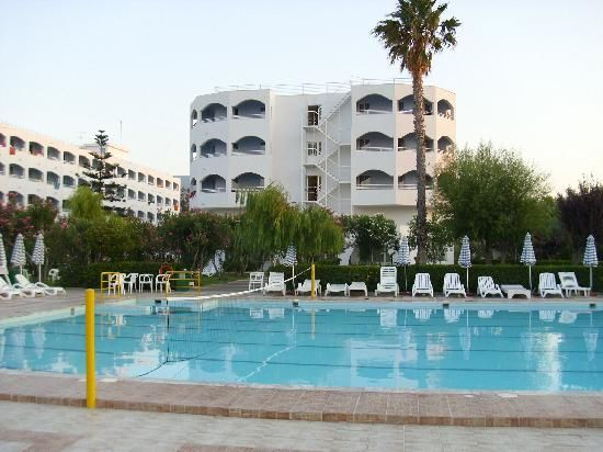 letovanje/grcka/kos/continetal/hotel-view-from-my-sunbed.jpg