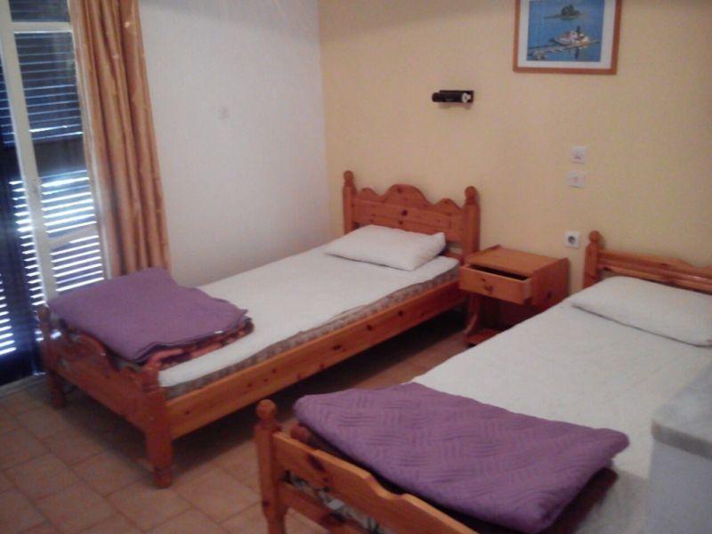 letovanje/grcka/krf/ipsos/michalis/bedroom-copy-1024x768.jpg
