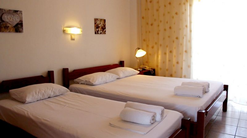 letovanje/grcka/plihrono/bglucky4/teramvos/studio-bedroom-1.jpg