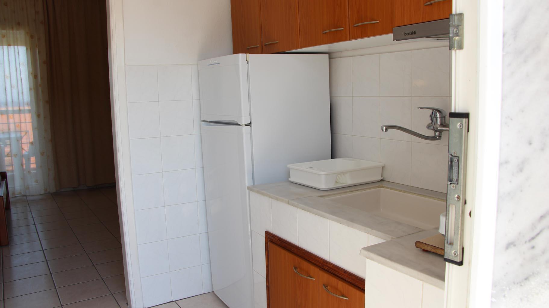letovanje/grcka/plihrono/bglucky4/teramvos/studio-kitchenette-2.JPG