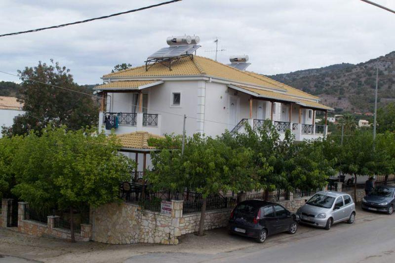 letovanje/grcka/sivota/bglucky/lutsis/grcka-sivota-apartmani-loutsis-3.jpg