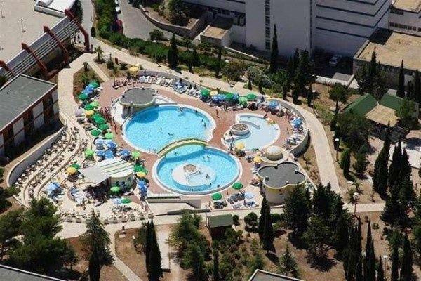 letovanje/hrvatska/brac/bonaca/hotel-bluesun-bonaca-brac-hrvaska-73100443.jpg