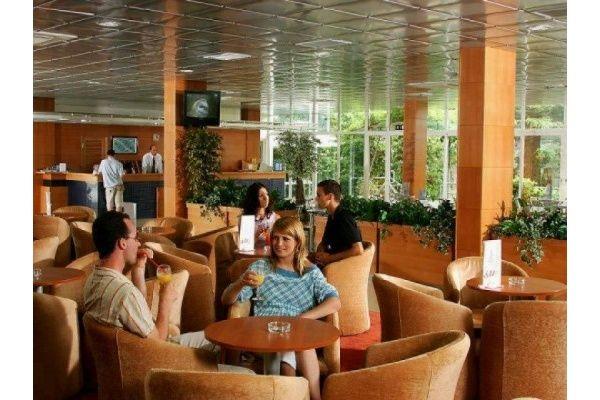 letovanje/hrvatska/brac/borak/hotel-bluesun-borak-brac-hrvaska-80100499.jpg