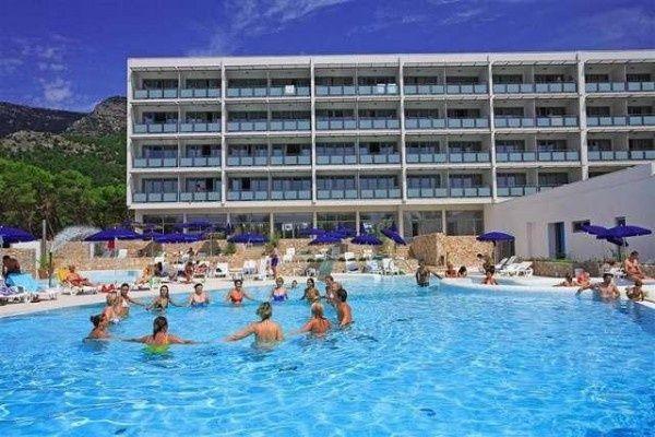letovanje/hrvatska/brac/elephausa/hotel-bluesun-elaphusa-brac-hrvaska-77100471.jpg