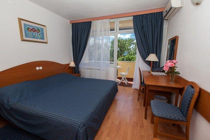 letovanje/hrvatska/crikvenica/esplande/hotel-esplanade-soba-635129375546444843-720-540.jpeg