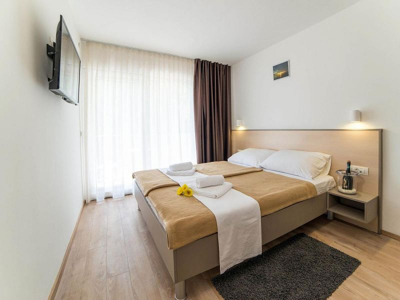 letovanje/hrvatska/pula/centinera/family-room-1p-xl.jpg