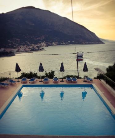 oceanis-hotel (1).jpg