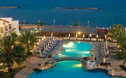 letovanje/kipar/larnaka/princess/princess-beach-hotel-pool-by-night.jpg