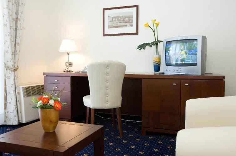 letovanje/slovenija/izola/hilaetum/san-simon-hotel-halietum-suite-1-4.jpg