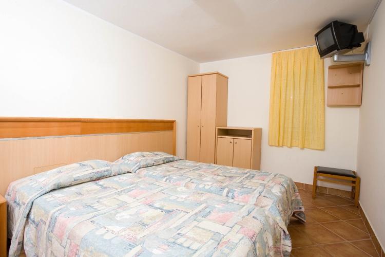 letovanje/slovenija/izola/park/san-simon-depandanse-park-suite-1-1.JPG