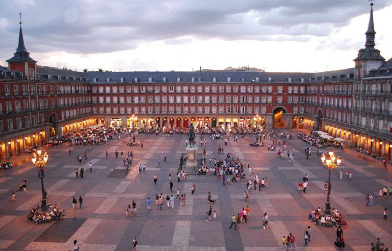 metropole/andaluzija/plaza-mayor-de-madrid-06.jpg