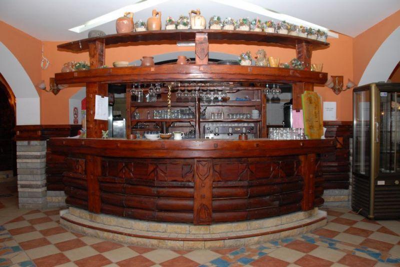 planine/rtanj/balasevic/1584461743-restoran-i-bar-071.jpg