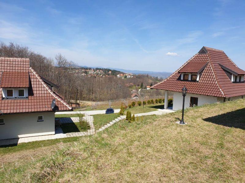 planine/zlatibor/village/monix-village1-0.jpg